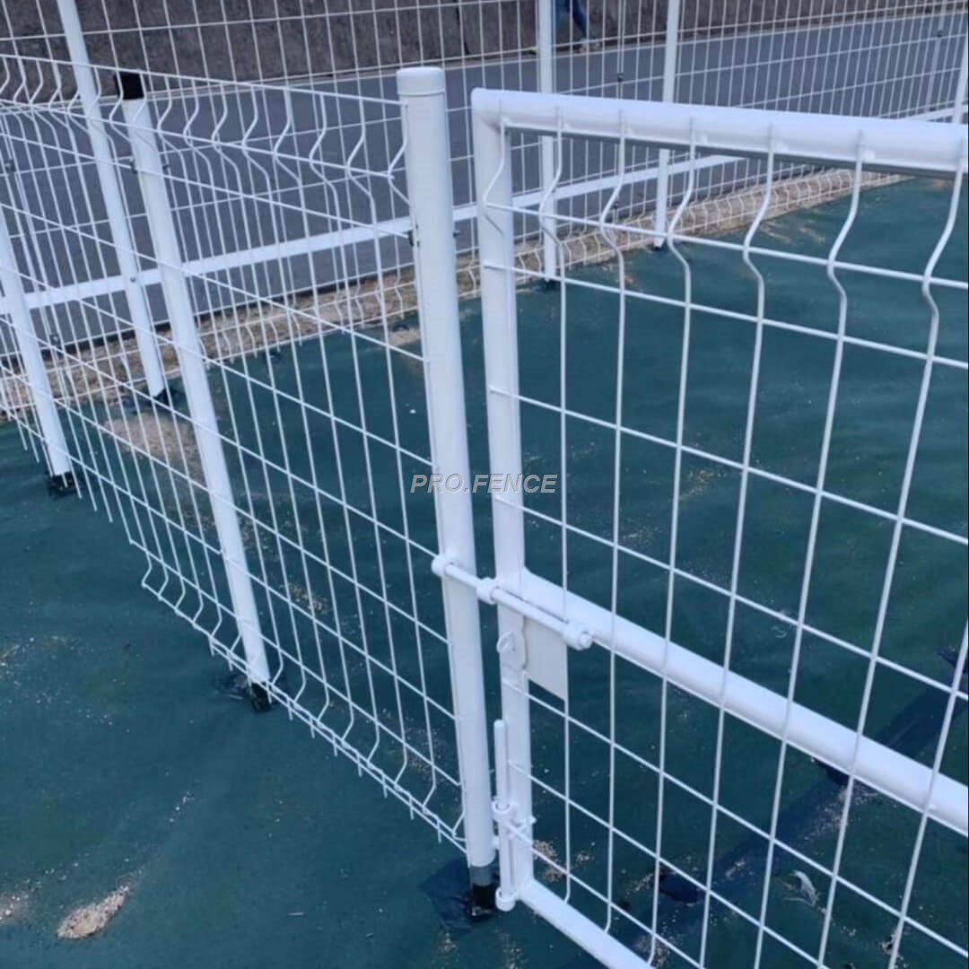 M-shaped Galvanized Welded Mesh Fence (One-piece Post) (3)