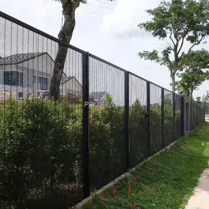 358 High security wire mesh fence for prison military application (3)